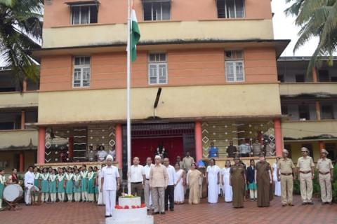 Flag hosting in Kamala College